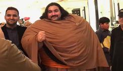 430-килограммовый пакистанец объявил себя самым сильным в мире