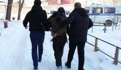 Грузчик похитил 11-летнюю девочку, прикинувшись майором полиции
