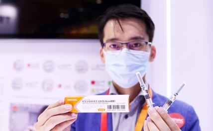 Война вакцин: Китай обошел Россию, каждый день прививая 3 млн человек