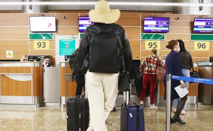 Палатка, дача, суды: Перспективы отдыха россиян из-за отмены авиасообщения с Турцией