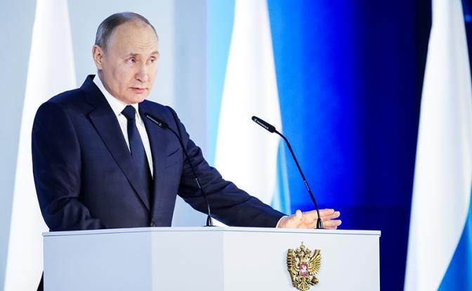 """Thong diep cua Putin: Xoa bo """"quyen luc mem"""" cua phuong Tay"""