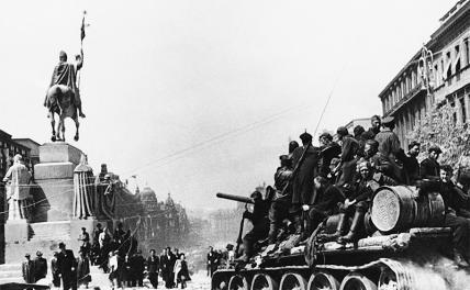 Война после Победы: В залпах салютов 1945-го звучали и боевые выстрелы