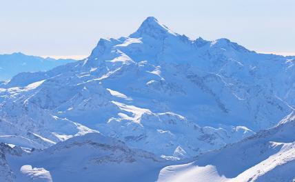 Россиянин внезапно умер во время восхождения на Эльбрус