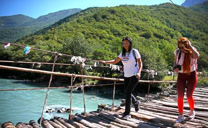 Отдых в Абхазии: будь добрым и следи за вещами
