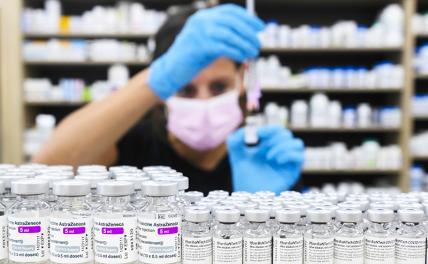 Битва вакцин: Превознося Pfizer, американцы чернят европейских, российских и китайских конкурентов