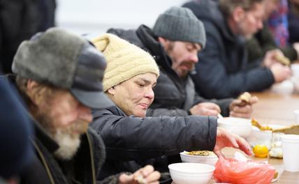 Власть боится накормить голодных из-за ассоциаций с 1990-ми
