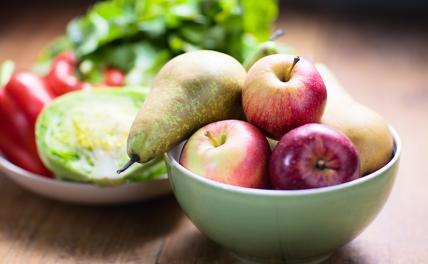 Эксперт рассказал, когда полезнее есть фрукты