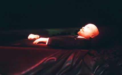 Дело и тело Ленина: Ильич вернулся в Питер. Частично…