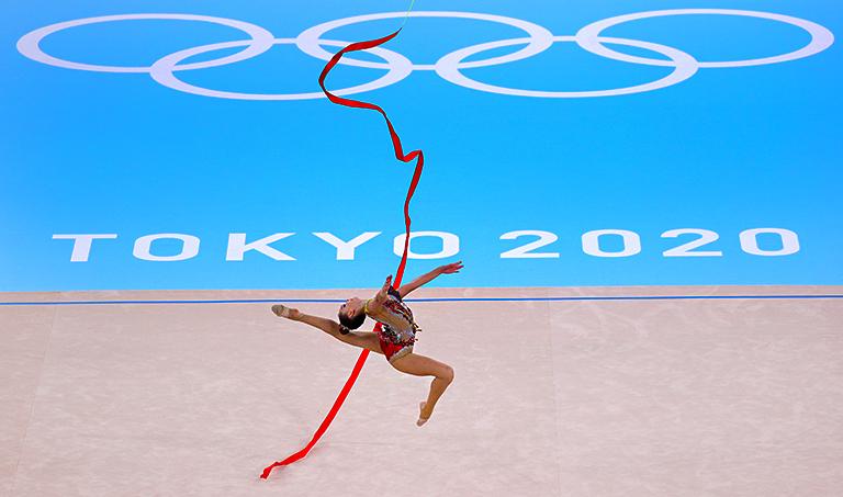 Алина Кабаева защищает гимнастку, пострадавшую на Олимпиаде