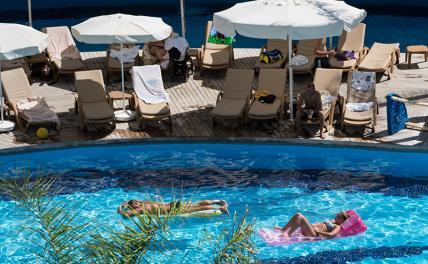 Бархатный сезон-2021: Турции позарез нужны «осенние» русские туристы