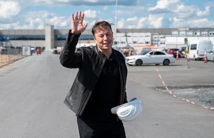 «Ха-ха, сэр»: Как Рогозин поднял стоимость компании SpaceX до $100 млрд