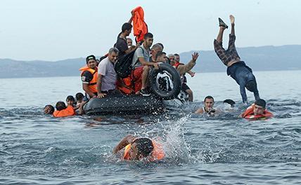 В Средиземном море спасли более 2000 мигрантов, пытавшихся доплыть в Европу