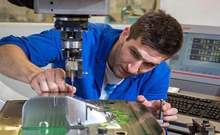 В Германии дефицит квалифицированных специалистов тормозит рост экономики