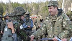 Саакашвили в Донбассе подкармливает грузинских наемников