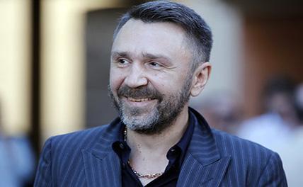 Шнуров поддержал Собчак стихотворением