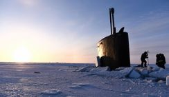 Контр-адмирал рассказал, почему американская подлодка застряла во льдах