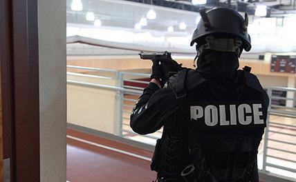 Террорист, захвативший заложников во Франции, убит