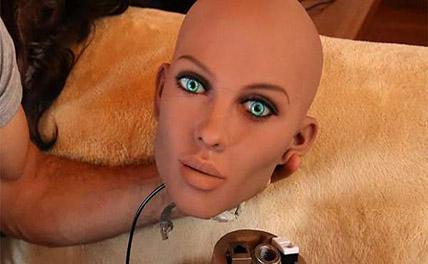 Секс-кукол научили отказывать клиенту