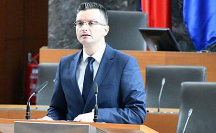 Премьером Словении стал 40-летний пародист