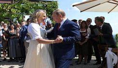 Глава МИД Австрии подарила Путину танец