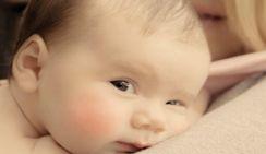 Чиновница посоветовала россиянкам рожать, а не учиться