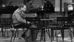Нарколог: Новые ограничения по алкоголю спасут россиян от спонтанной выпивки