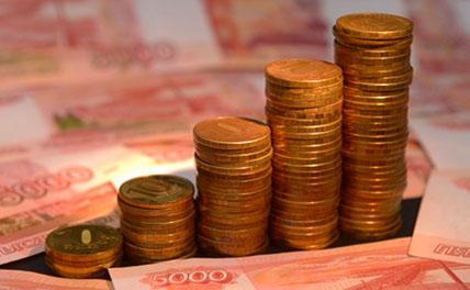 Компании немного повышают зарплаты россиянам от безысходности