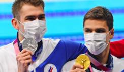 Обошли США впервые за 25 лет. Российские пловцы выиграли золото в Токио