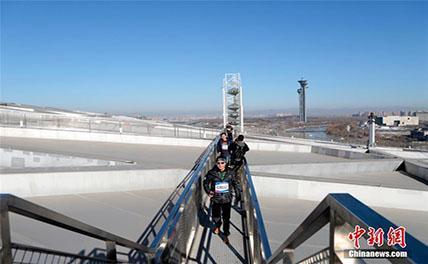 """Километровый смотровой коридор открыт на крыше пекинского стадиона """"Птичье гнездо"""""""