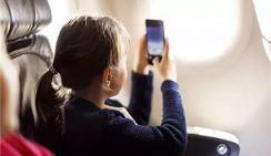 В Китае снимется запрет на использование мобильников на борту самолетов