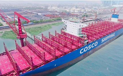 Введено в эксплуатацию крупнейшее в Китае контейнерное судно