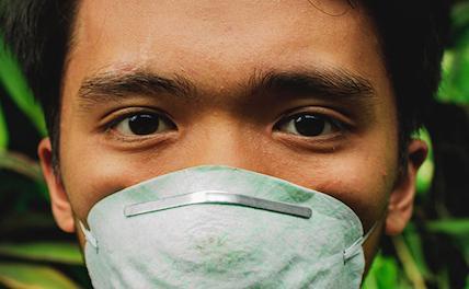 Китай пожертвовал 125 тыс защитных масок школьникам Шри-Ланки