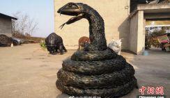 Китайцы возвели потрясающие скульптуры животных из шин