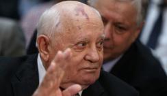 Горбачев согласился не ездить на Украину