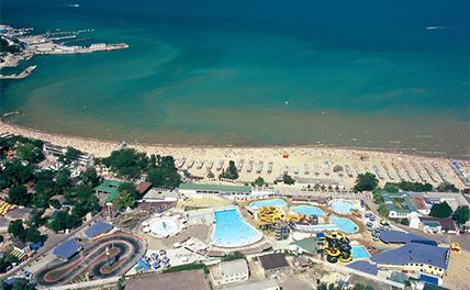 В Анапе снова запретили купаться в море