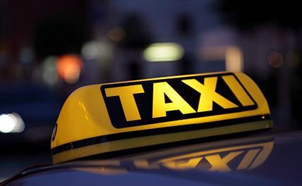 В Ростове таксист избил пассажира и отнял у него 150 тысяч рублей
