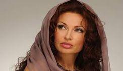 В Крыму 48-летняя Эвелина Бледанс выставила напоказ свои прелести