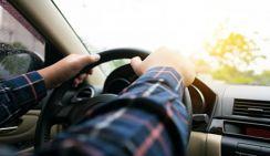 В Геленджике туристов на джипе возил пьяный водитель