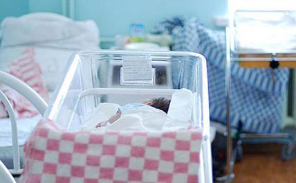 На Кубани медики спасли от слепоты недоношенных двойняшек